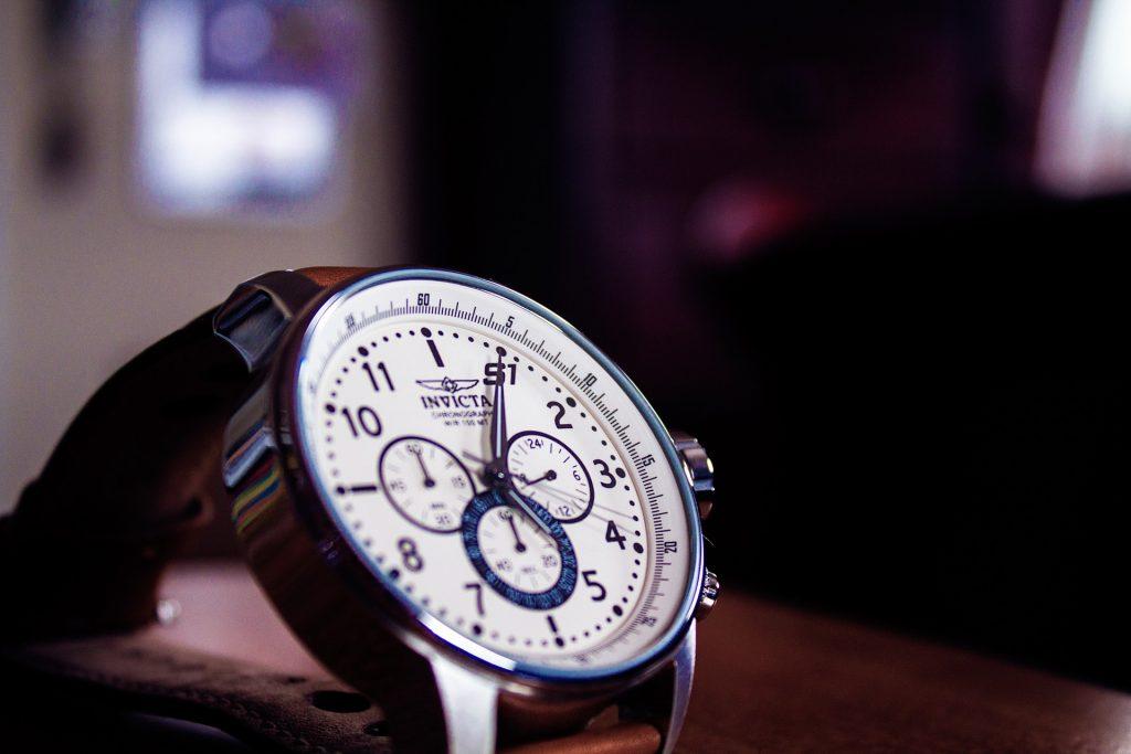 watch-924143_1920